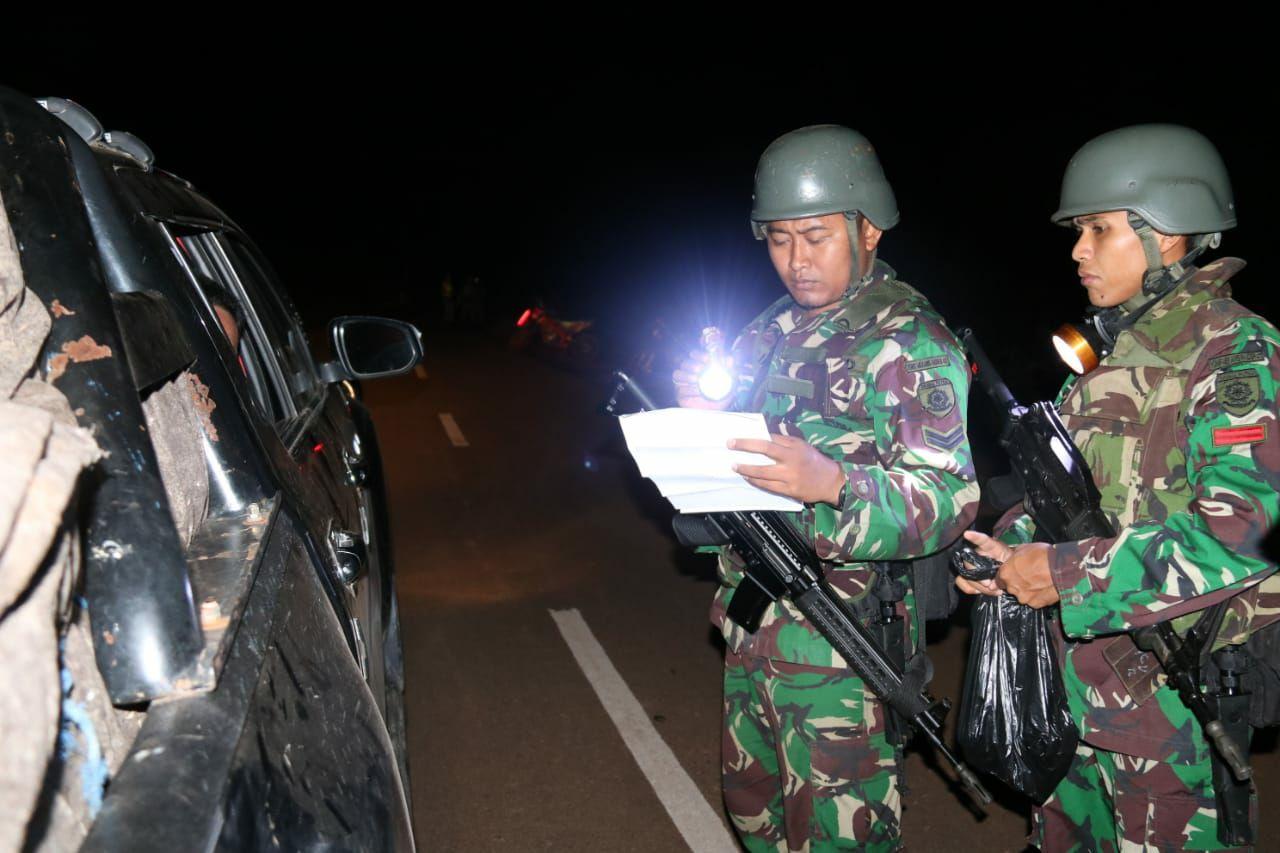 Prajurit TNI Pamtas RI-PNG Yonif 411/Pandawa Berhasil Amankan 3.333 Botol Miras Ilegal