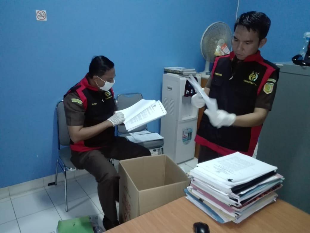 Penyidik Kejaksaan Tinggi Bangka Belitung Geledah Kantor Dinas Energi Dan Sumber Daya Mineral
