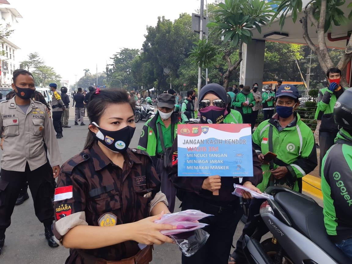 Kapolda Metro Jaya Gandeng KBPPP Polri Bagi Masker