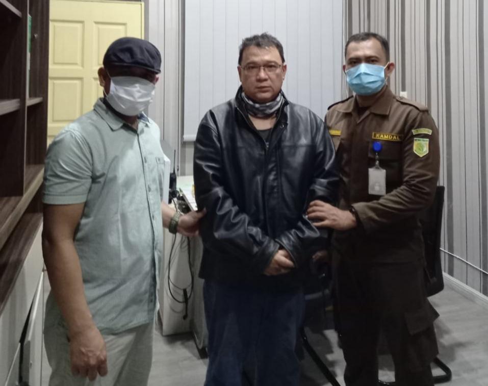 Tim Tabur Kejaksaan Tangkap DPO Tersangka Djohan di Rumahnya