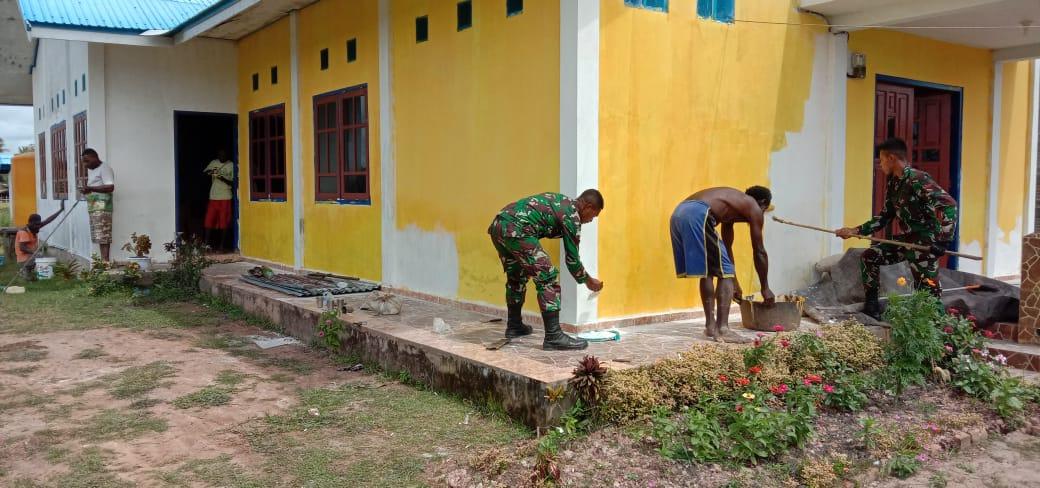 Rehab Gereja, Satgas Yonif 757Buat Nyaman Beribadah Masyarakat Papua