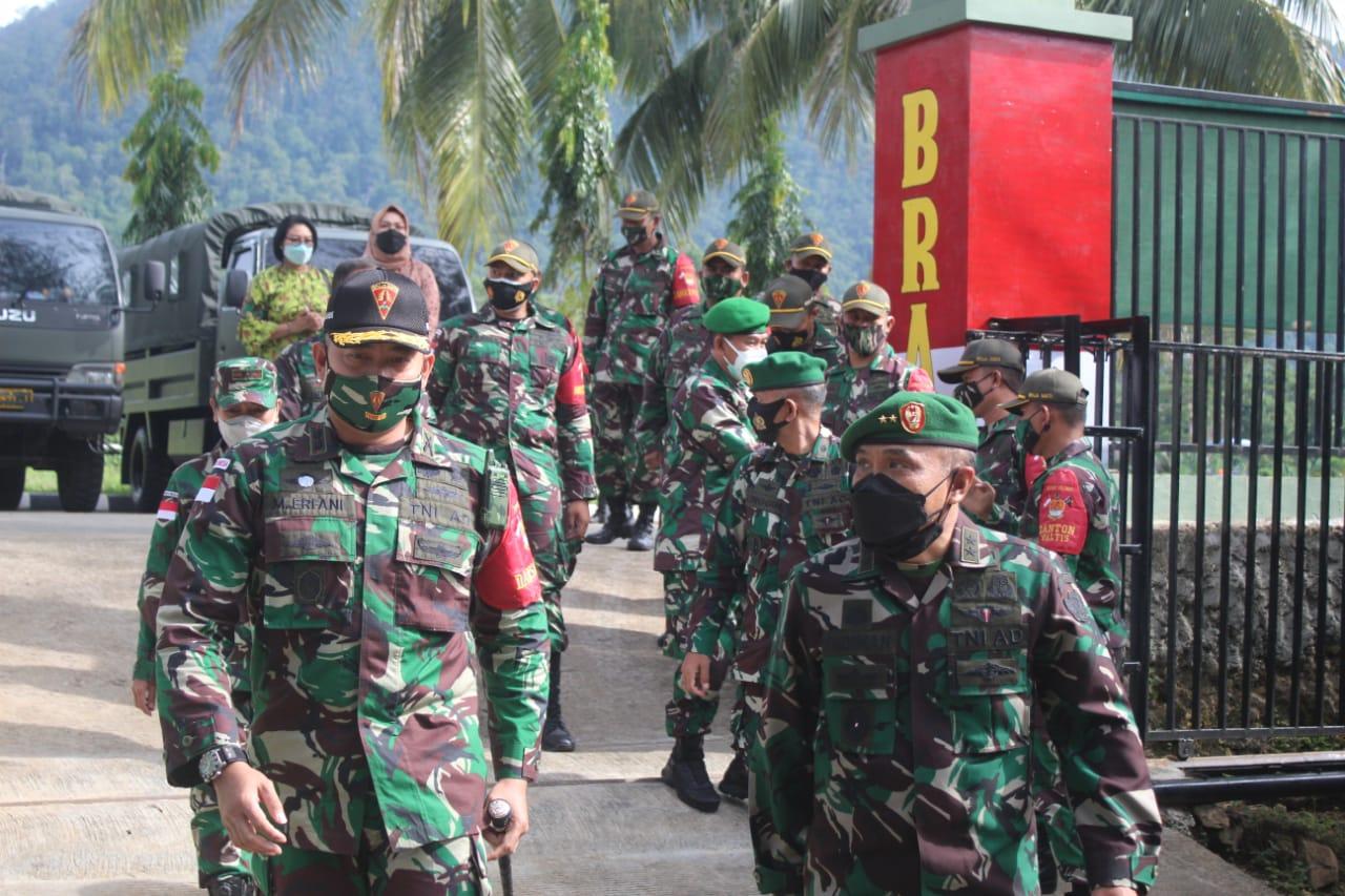 Satgas PamtasRI-PNGYonif 131/Braja SaktiTerima KunjunganKapuskesad