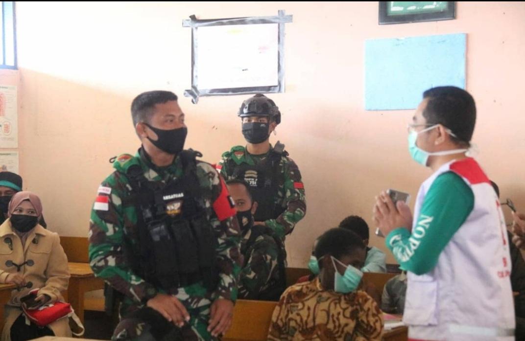 Satgas TNI Bersama Yayasan BSMI Adakan KhitananMassal Gratis